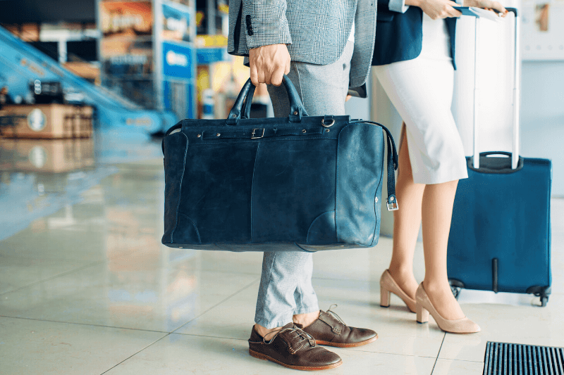 JAL株主優待券の特典をご紹介!飛行機移動が多い方 必見の内容とは?